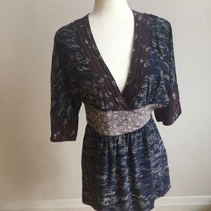 Wilfred Aritzia Silk Kimono top tunic sz 6 floral